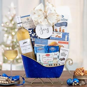 Holiday Sleigh Wine Gift Basket