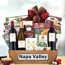 Holiday Wine Gift Basket