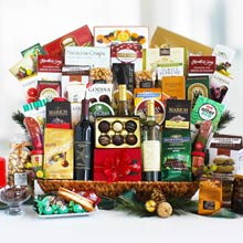 Corporate Deluxe Christmas Wine Basket